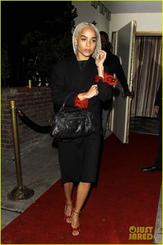 Zoe Kravitz Debuts Blonde Hair at Drake's Birthday Party: Photo #3792612. Zoe Kravitz leaves Drake's 30th birthday party held at Delilah on Sunday evening (October 23) in Los Angeles.    The 27-year-old actress posted a photo of her new…