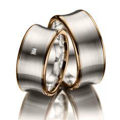 Wedding Rings Merii, Red Gold 585/-, Silver 925/-, 1 brilliant cut diamond 0.01 ct.    Trauringe Merii, Rotgold 585/- Silber 925/- Breite: 10,00 - Höhe: 2,20 - Steinbesatz: 1 Brillant 0,01 ct. tw, si (Ring 1 mit Steinbesatz, Ring 2 ohne Steinbesatz)