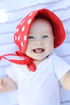 delia creates: Red: Sun Bonnet  This tute tells all, from how to make the pattern to how to sew it up.  Love it