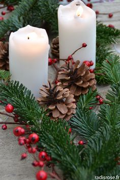 Deco Table Noel, Decoration Table, Pillar Candles, Xmas Ideas, Diy, Crafts, Home Decor, Natural Christmas, Natural Decorating