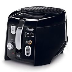 DeLonghi Deep Fryer at Lowe's. The DeLonghi Lb. Cool-Touch Black Roto Deep Fryer has a large food capacity that allows you to accommodate almost any type of food. Small Kitchen Appliances, Cool Kitchens, Kitchen Gadgets, Kitchen Items, Kitchen Dining, Kitchen Utensils, Hot Air Popcorn Popper, Best Deep Fryer, Comida Disney
