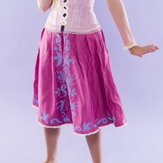 Use this Disney DIY Halloween costume tutorial to learn how to become Rapunzel from Tangled. | Halloween from Brit + Co | Pinterest | Rapunzel costume ... & Use this Disney DIY Halloween costume tutorial to learn how to ...