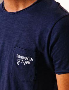 """T-shirt broderie poche """"Mauvais garçon"""""""