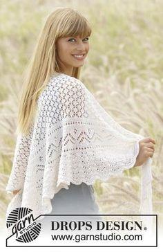 """Tender Kiss - Gebreide DROPS omslagdoek met kantpatroon, zijdelings gebreid van """"Alpaca"""". - Free pattern by DROPS Design"""