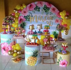 Panel Idea Party Tropical 20 totally free, ready to customize and print at home. Aloha Party, Luau Party, Flamingo Party, Flamingo Birthday, Birthday Party Decorations, Birthday Parties, Fruit Birthday, Deco Table, Milani