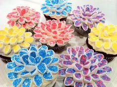 Flowering cup cakes