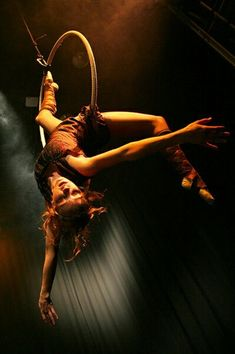 Cirque de Nuit discovered by hellokimmy on We Heart It Aerial Acrobatics, Aerial Dance, Aerial Hoop, Aerial Arts, Aerial Silks, Action Pose Reference, Human Poses Reference, Pose Reference Photo, Action Poses