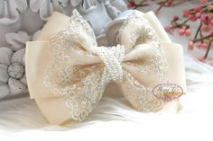 NEW: Ella Grace Collection - Beautiful Cream Champagne Ribbon and Lace Hair Bow Applique. Hair accessories.