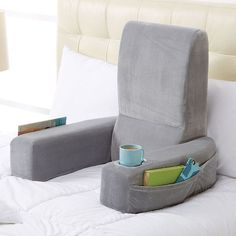 A pillow chair to make reading in bed even better - #Kissensessel zum Lesen im Bett :)