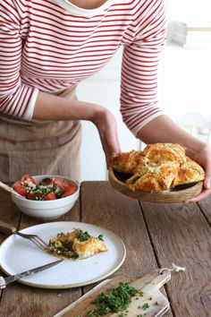 http://www.makelifeeasier.pl/inne/co-mozemy-przygotowac-z-ciasta-francuskiego-na-piknik