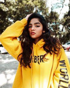 Shot Hair Styles, Filipina Beauty, Best Natural Makeup, Jennie Kim Blackpink, Western Girl, Teen Actresses, Black Wallpaper, Celebs, Celebrities