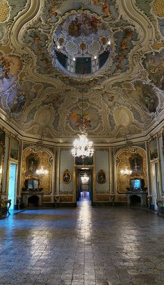 Palazzo Biscari, Italia Catania, Sicily Beautiful Castles, Beautiful Buildings, Beautiful Places, Villas, Baroque Architecture, Italian Villa, Palazzo, Sicily Italy, Grand Staircase