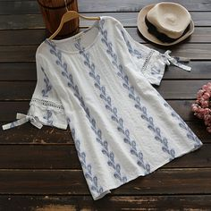 White Floral Bow Hollow-out Round Neck Short Sleeve T-Shirt