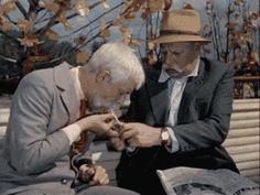 Новыми красками заиграла сцена из детского фильма.... — GIF.D3.RU