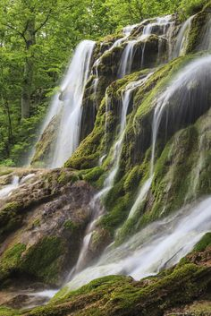 Cheile Nerei-Beusnita National Park in Romania The Beautiful Country, Beautiful World, Places To Travel, Places To See, Visit Romania, Waterfall Photo, Romania Travel, Beautiful Waterfalls, Fantasy Landscape