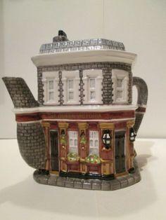 Queen Vic Eastenders novelty teapot