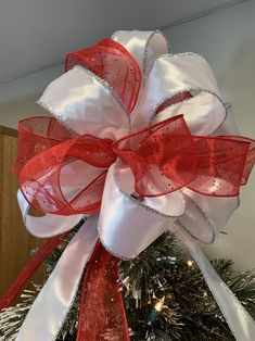 Large Christmas Tree Topper Bow sheer red with silver glitter specks and white w/ silver tinsel edging Large Christmas Tree, Christmas Tree Toppers, Tinsel Christmas Tree, Tabletop Christmas Tree, Xmas Tree, Red Christmas, Big Gift, Tree Topper Bow, Silver Glitter