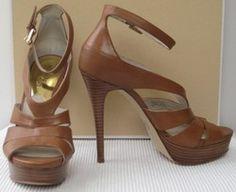 Michael Kors 'Leighton' Sandals. SIZE 6