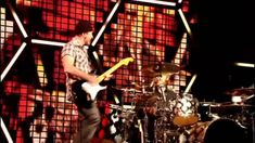 Muse - Where The Streets Have No Name (feat. The Edge) live @ Glastonbur...