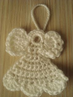 Crocheted Christmas Angel Ornament ~ Free pattern