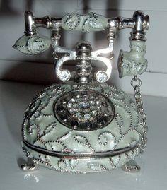 me gustaria tener este telefono en mi recamara