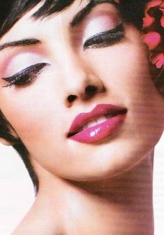 Eye Makeup Tips.Smokey Eye Makeup Tips - For a Catchy and Impressive Look Make Up Looks, Pin Up Looks, Beauty Make-up, Beauty Advice, Beauty Hacks, Beauty Shots, Smoky Eye Makeup, Cat Eye Makeup, Pin Up Makeup
