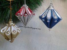 Best 11 Tsumami Kanzashi (kanzashi) – Hair ornaments, and not only – Page 308426274473139530 – SkillOfKing. Quilted Christmas Ornaments, Fabric Ornaments, Beaded Ornaments, Hair Ornaments, Christmas Projects, Christmas Diy, Christmas Crafts, Christmas Ribbon, Christmas Balls