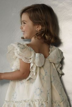 No sin Valentina Flower girl Little Dresses, Little Girl Dresses, Girls Dresses, Flower Girl Dresses, Baby Girl Fashion, Kids Fashion, Little Fashionista, My Baby Girl, Baby Girls