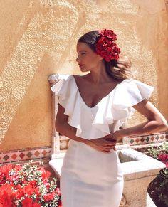 Ball Dresses, Bridal Dresses, White Dress Summer, Summer Dresses, Boho Fashion, Fashion Beauty, Dresses For The Races, Spanish Dress, Spanish Wedding