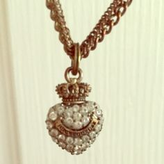 Juicy couture necklace! Gorgeous Juicy Couture heart bling necklace! Style: vintage Color: rusty gold/ bronze with crystals.     Check out my other listings, I offer bundle discounts! Trades & Offers Welcome Juicy Couture Accessories
