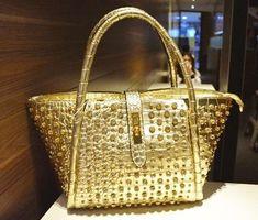 #designerinspiredhandbags  #bags #handbagaccessories #leatherbag #shoulderbag #purses #oversizedbag #trendybags #pursesandhandbags #handbags #handbagsandpurses #bagsandpurses #womenspurses #womenshandbags #chicbags #leatherpurse #leatherhandbagswomen #vintagebags #cutebags #vintagepurses #purselover #trendypurses #bagstyle #baglady #pursestotes  #handbaglove #totebag