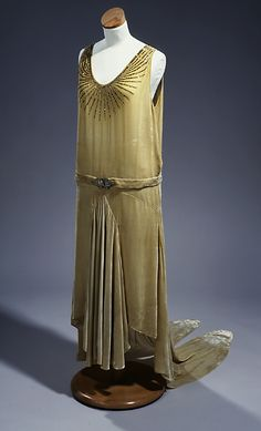 Inaugural dress worn by a governor's wife, 1928-29, United States (New York, worn in Raleigh, NC) via the North Carolina Museum of History. (Front)