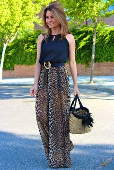 Animal Print Jumpsuit: Oh My Looks by Silvia Fashion Wear, Fashion Pants, Look Fashion, Fashion Dresses, Leopard Print Outfits, Animal Print Outfits, Casual Dresses, Casual Outfits, Pakistani Fashion Casual