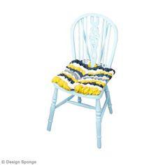 Bricolage DIY : Une coussin de chaise façon bracelet brésilien