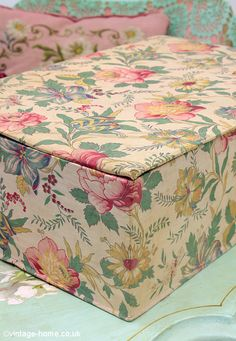 Vintage Home - Vintage French Floral Fabric Box . Fabric Covered Boxes, Fabric Boxes, Fabric Paper, Paper Boxes, Painted Boxes, Fabric Wallpaper, Floral Fabric, French Vintage, Painted Furniture
