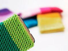 DIY tutorial: Crochet An Easy Phone Cover via DaWanda.com