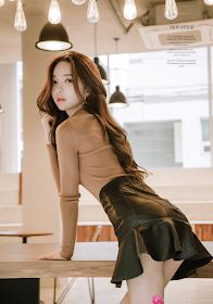 Revelatory Mini Skirt Dress Ideas For Your Best Sexy Looking Korean Fashion Styles, Asian Fashion, Girl Fashion, Trendy Fashion, Mini Skirt Dress, Girls In Mini Skirts, Asia Girl, Cute Asian Girls, Beautiful Asian Women