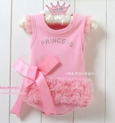 This Romper lets everyone know that your baby is a PRINCESS!!!