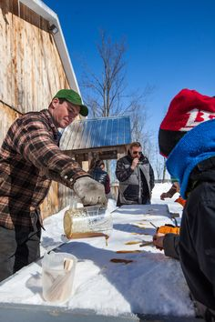 Cabane à sucre // Sugar shack in Lanaudière, Québec, Canada. #QuebecOriginal Sugaring, Canada, Horse Drawn, Quebec City, Country Life, Montreal, Vancouver, Stuff To Do, Places To Visit