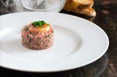 Lehce zauzený telecí tartar Beef, Chicken, Food, Meat, Essen, Meals, Yemek, Eten, Steak