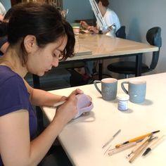 #seramik #ceramics #ceramique #keramik #도자기 #sgrafitto #maycoatwork #maycocolors #seramiksır  #seramikboyama #seramikmalzeme #glaze Glaze, Atelier, Enamel, Display Window
