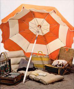 outdoor picnic under the orange umbrella Beach Picnic, Summer Picnic, Summer Fun, Picnic Spot, Glamping, Umbrellas Parasols, Terracota, Festa Party, Beach Umbrella