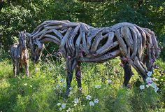 Los caballos de madera flotante de Heather Jansch