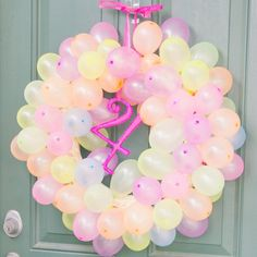 Learn how to make a birthday balloon wreath - a simple and inexpensive birthday decoration!