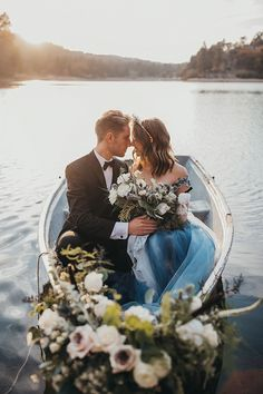 Boat wedding - Lakeside Elopement Ideas at San Mortiz Lodge – Boat wedding Boat Wedding, Yacht Wedding, Lakeside Wedding, Woodland Wedding, Wedding Groom, Dream Wedding, Plaid Wedding, Wedding Shit, Nautical Wedding Dresses