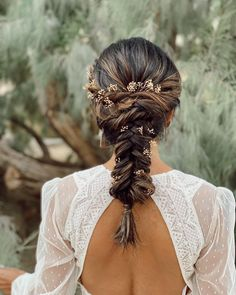 """san diego bridal hairstylist on Instagram: """"Fishtails & florals. (& a stunning @willowbywatters dress)"""" Boho Bridal Hair, Pretty Presets, Bridal Hair Inspiration, Take A Shot, Simple Backgrounds, Hair Photo, Fishtail, Cool Lighting, Dreadlocks"""