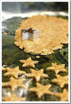 Homemade Gold Fish Crackers! #crackers #healthymeals
