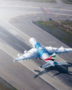 Emirates leaving LAX with some condensation Picture by © AviationDreams Airbus A380 Emirates, Airbus A320, Emirates Airline, Pilot, Civil Aviation, Big Daddy, Perfect Timing, Private Jet, Fighter Jets