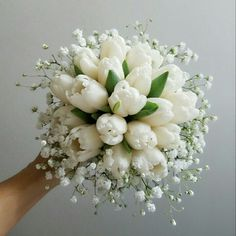 Wonderful Cost-Free Tulip bouquet Style Extensive survive the tulip ! Vegetable that vibrant colored gem cell phone a beautiful show during the earl Tulip Bouquet Wedding, White Tulip Bouquet, Prom Bouquet, Small Wedding Bouquets, Bride Bouquets, Bridal Flowers, Floral Wedding, Flower Arrangements, Marie