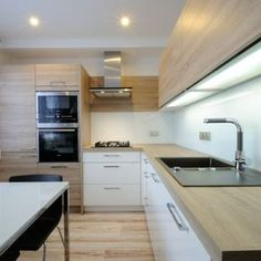 How To Incorporate Contemporary Style Kitchen Designs In Your Home Kitchen Room Design, Kitchen Sets, Home Decor Kitchen, Interior Design Kitchen, Kitchen Furniture, New Kitchen, Home Kitchens, Modern Kitchen Cabinets, Wooden Kitchen